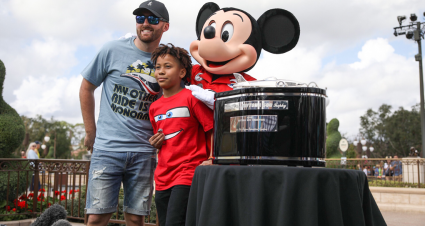 Austin Dillon Surprises Jordan Wade with Daytona 500 Ring at Disney